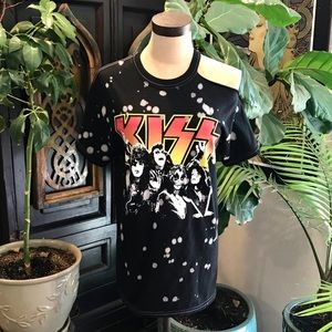 KISS tie dye graphic distressed band t-shirt